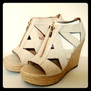 NWOT Criss Cross Wedge Sandals 8